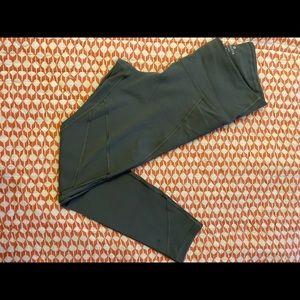 ATHLETA- compression leggings